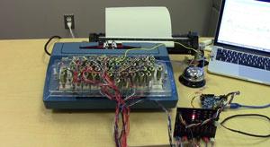 دیوانگیهای یک هکر: تغییر کاربری ماشین تحریر برقی به پرینتر نوازنده