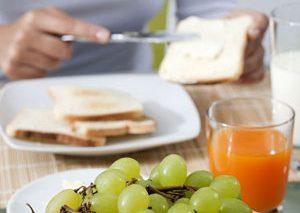 بزرگترین اشتباهی که در وعده صبحانه مرتکب میشوید