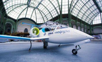 اولین هواپیمای تمام الکتریک با پرواز موفق از روی کانال مانش