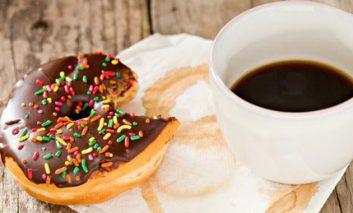 بهتر است کلاً صبحانه نخورید یا حداقل یک پیراشکی بخورید؟