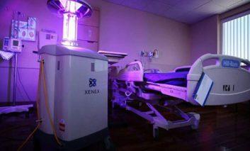 روباتی که با اشعه فرابنفش اتاقهای بیمارستان را ضدعفونی میکند + ویدیو