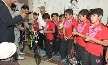 استقبال از تیم آکادمی کیا - دنیلی - فرودگاه امام خمینی