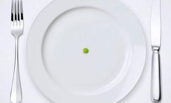 زمانی که یکی از وعدههای غذایی را نادیده میگیرید، چه اتفاقی در بدن میافتد؟