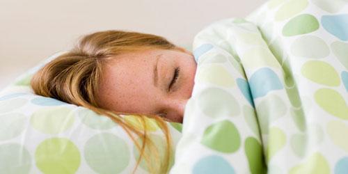 ۷ روش ساده برای این که سریعتر بخوابید