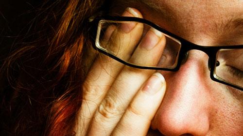 چگونه هنگام کار با کامپیوتر مانع خستگی چشم شویم؟