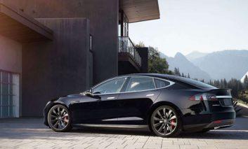 افزایش محدوده مسافت یکی از اتومبیلهای تسلا تا سال ۲۰۱۷