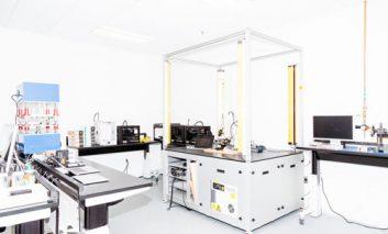 درون آزمایشگاه فوق سری تولید ابزارهای جانبی اپل چه خبر است؟