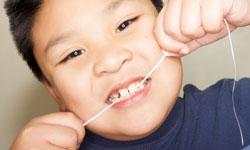 روشی مؤثر برای افرادی که از نخ دندان استفاده نمیکنند
