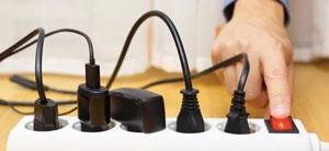 آیا هنگام عدم استفاده از شارژرها باید آنها را از پریز کشید؟