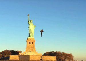 پرواز با جتپک در اطراف مجسمه آزادی نیویورک