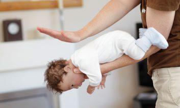 اقدامات اولیه به هنگام بروز خفگی در کودکان