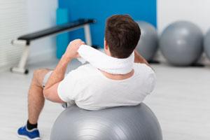 ۴ حرکت کششی برای تسکین درد گردن