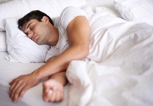 خوابیدن و نشستن عمرتان را کم میکند!