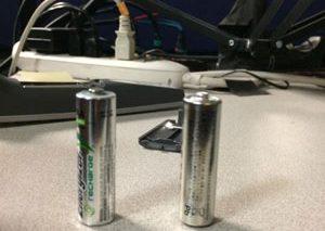 چگونه باتری پر را از باتری خالی تشخیص دهیم؟