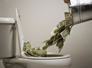 ۱۰ نشانه خودکشی مالی که حتی احساس هم نمیشوند
