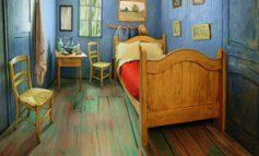 از این به بعد میتوانید شبی را در این اتاق خواب گیج کننده ساخته شده برپایهی نقاشی ونگوگ سر کنید
