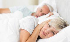 ۶ روش طبیعی برای درمان خروپف