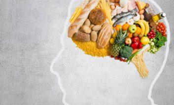 ۴ ماه غذایی مفید برای مغز