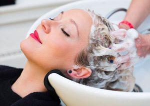 روش صحیح شستن موها