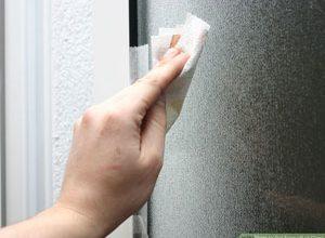 چگونه چسب را از روی شیشه پاک کنیم؟