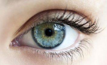 ۱۰ ماده غذایی برای تغییر رنگ چشمها در عرض ۶۰ روز