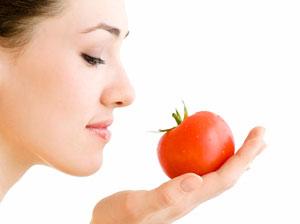 ۷ روش برای افزایش زیبایی با گوجهفرنگی