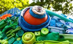 ساخت آثار هنری با زبالههای پلاستیکی