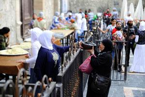 افطاری برای آوارگان سوری