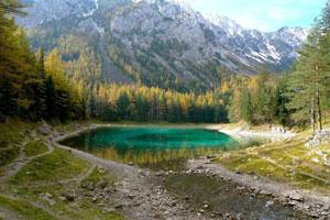 دریاچهای که در زمستان خشک و در بهار به دریاچهای عمیق تبدیل میشود!