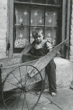 عکسهای فقیرترین کودکان لندن در اوایل ۱۹۰۰