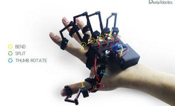 اسکلت روباتیک روی دستتان: احساس اشیاء مجازی و کنترل روباتها + ویدیو