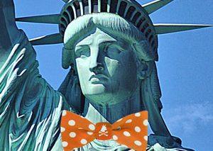 مجسمه آزادی برای هالووین لباس میپوشد؟