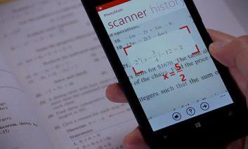 حل معادلات ریاضی با کمک دوربین گوشی هوشمند + ویدیو