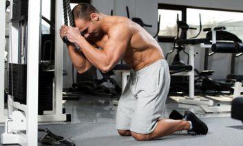 ۷ اشتباه رایج مردان در انجام تمرینات شکمی