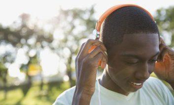 تأثیر موسیقی بر افسردگی نوجوانان
