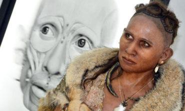 یک هنرمند آرایشگر نمایشگاهی از چهره انسانهای ماقبل تاریخ برگزار کرده است