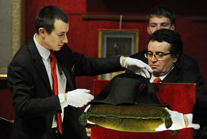 کلاه دو لبه ناپلئون ۲/۲ میلیون دلار به فروش رسید