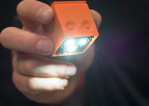 با مکعب نورانی Lume Cube، عکسهای حرفهایتری بگیرید! + ویدیو