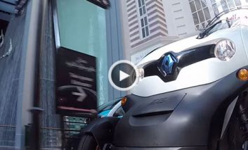 گشتوگذار تیم لوتوس فرمول وان در یک مرکز خرید! + ویدیو