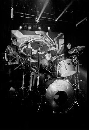 حراج درام کیت گروه راک بریتانیایی Oasis در حراج کریستی