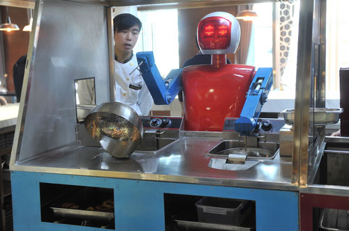 افتتاح رستوران وال-ای با کارکنان روباتیک در چین