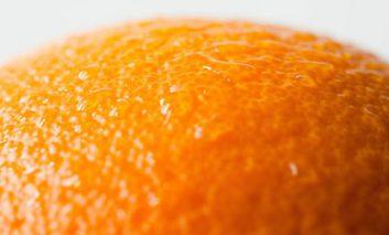 ۷ واقعیت در مورد پوست پرتقالی