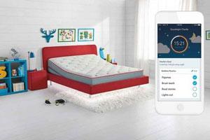 تختخواب هوشمندی که الگوی خواب بچهها را ردیابی میکند