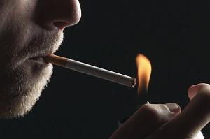 هر سیگار ٨ دقیقه از عمر انسان میکاهد