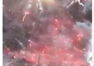انفجار کامیون حاوی لوازم آتشبازی + ویدیو