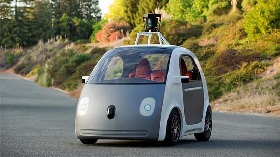 مدیر جنرال موتورز: خودروی بدون سرنشین گوگل رقیبی تازه در صنعت خودرو