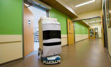 جولان روباتها در بیمارستان تازهتاسیس سانفرانسیسکو