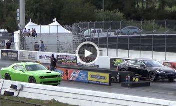مسابقه تعیین شتاب میان Tesla Model S P85D و Dodge Challenger Hellcat