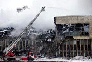 آسیب دیدن بیش از ۱ میلیون کتاب و سند تاریخی در آتشسوزی کتابخانه دانشگاه علوم اجتماعی روسیه