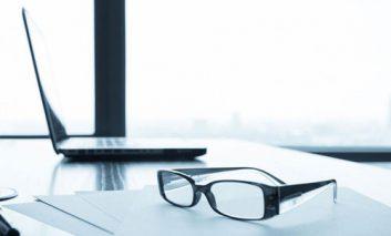 آیا صفحهنمایش دستگاههای دیجیتالی میتواند به چشمها آسیب برساند؟